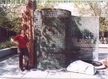Elonka visiting Kryptos in October 2002