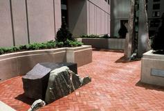 Artery Plaza Project: Granite, quartz, lodestone. 44' x 4' x 15'.  1985-1986, image courtesy Francoise Yohalem